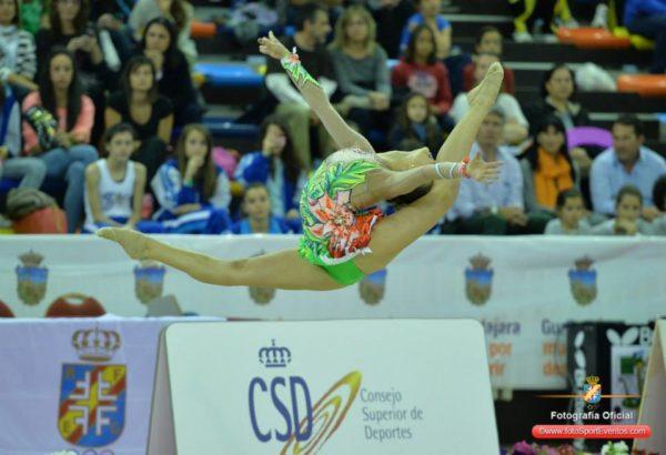 Zancada flexión de Natalia Mora